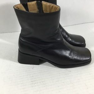 Easy Spirit Assemblys Black Leather Ankle Boots
